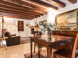 CANNAREGIO CLOSE TO STATION & AIRPORT FERRY