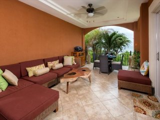 Beautiful 2BR oceanview condo- custom kitchen, shared pool  (HOR206)