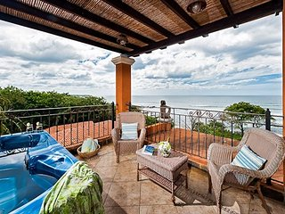 Beautiful 3BR oceanview penthouse, balcony, WIFI, a/c, HOR306