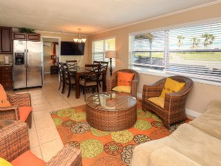 Luxury Vacation Home - Direct Oceanfront - 4BR/2BA - #Northvilla
