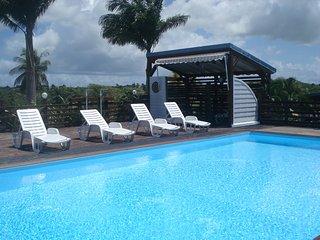 Gîtes climatisés avec piscine, salle de sport et vélo aquabike à sainte-anne