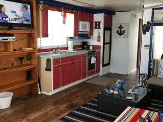 Spacious Beautiful Houseboat in amazing location