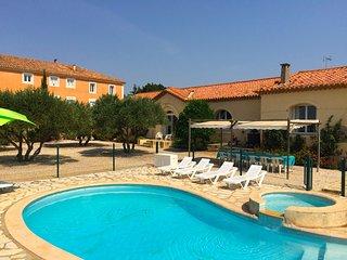 Stylish, large house with pool