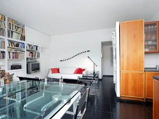 Bright and spacious two bedroom in San Paolo district
