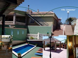 Chalet con piscina y parking privado ,cerca de Alicante