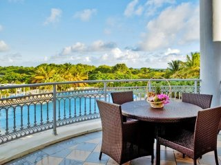 Luxury studio in Guadeloupe with private balcony and access to pool and spa