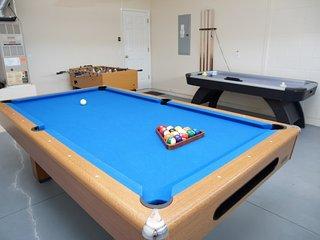 4BR-2 King-Large Pool/Spa-GamesRm-ROKU-WiFi