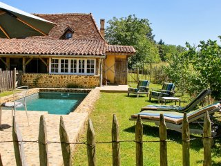Enchanting country house in Malaussanne, in the Pyrenees-Atlantiques, with pool