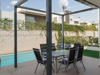 Stylish villa near Guardamar w pool