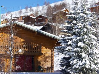 Chalet with 6 rooms in Les 2 Alpes, with wonderful mountain view and terrace