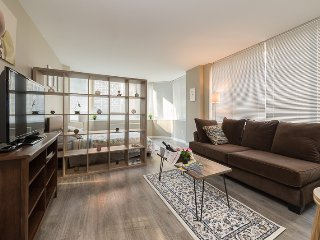 High Rise Luxury Apartment Next to Times Square