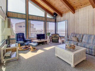 Spacious beach home w/ enclosed yard, & deck with ocean view - dogs welcome