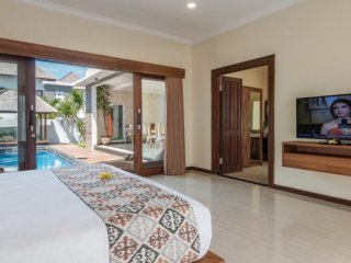Lovely 2 bedroom villa with swimming pool at south kuta