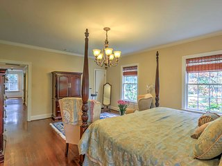 NEW! Stately 4BR Dallas Home w/ Pool & Hot Tub!