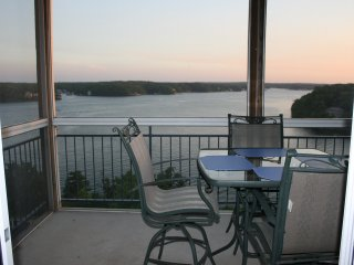 Palisades 3 Bedroom Condo with Million Dollar View!