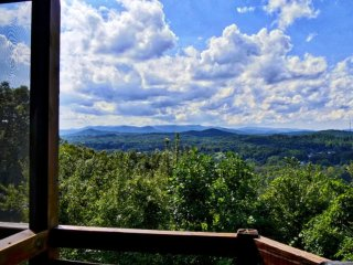 Best Location in Blue Ridge ~ City/Mountain Views! Aska Area 4b/3a Rustic Cabin