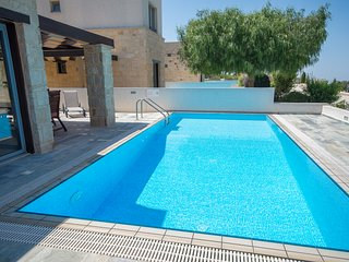 Peaceful 3 bedroom rural villa with private pool.