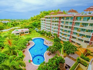 Penthouse with roof top pool sea view in Huahin