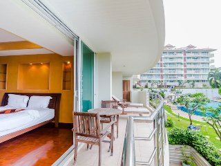 Deluxe 3 bedrooms apartment with garden view in Hua Hin