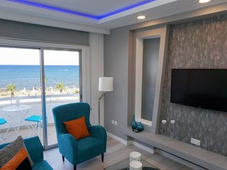 Lazuli Beachfront Apartment 21