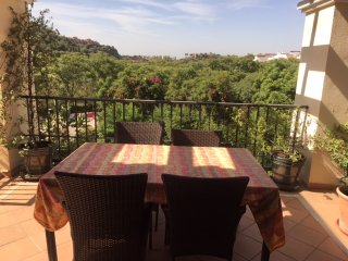 Stunning 3 Bedroom Penthouse With Fantastic Large Terrace R128
