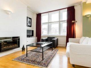Classical 2 bed 2 bath Islington apartment