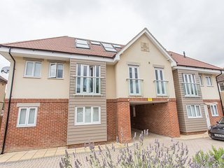 The Nuffield Apartment 2 Bedroom Apartment in Green & Leafy Marston