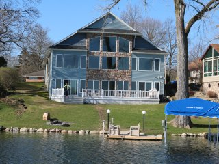 Luxury Lakeview Property