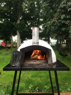 Pizza oven at work