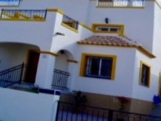 SN VILLA.  Lovely 3 bed/2bath villa, sleeps 6, great central location