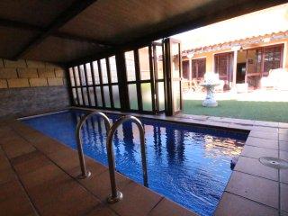 Chalet con jardin y piscina privada