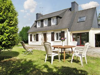 Idyllic Breton house with garden