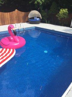 New Hot Tub & Heated Pool in Prime Woodstock Gut Renovated Modern Home