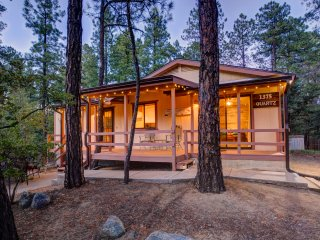 3/2 Cabin w/garage in Pines ~5 miles to Downtown Prescott!