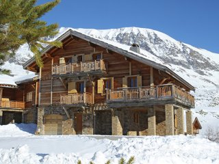 Chalet with 7 rooms in Alpe D'Huez, with wonderful mountain view and terrace