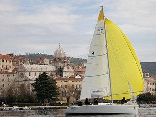 J's Sailing House