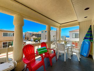 20% OFF OPEN SEPTEMBER - 1 House from the Beach - Ocean View Beach House