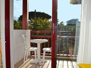 Bright apartment 250m from Ocean