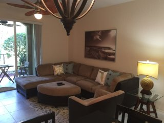 2BR/2BA +Den  1st floor  Townhouse in Palm Beach Gardens  close to Abacoa