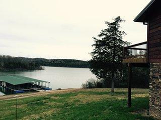 5 Bedroom; Sleeps 13; Two Full Kitchens; WaTERFRONT; Breathtaking Lake Views