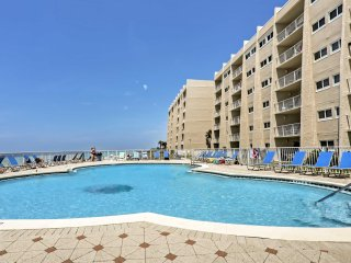 NEW! Oceanfront 2BR Miramar Beach Condo w/Pool