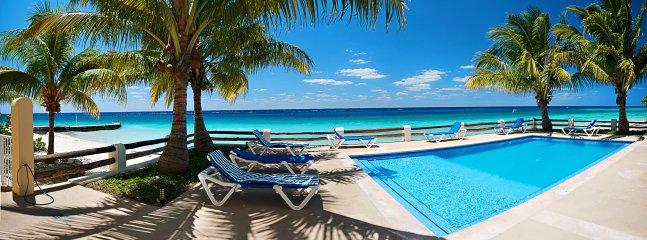 Las Brisas 101, Beautiful Oceanfront 3 bdrm condo, on a white sandy beach!