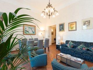 Trastevere Large Comfortable Panoramic Apartment