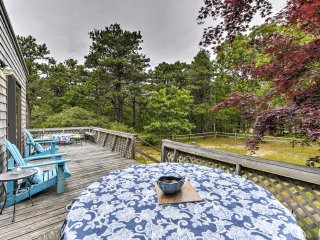 Cozy Wellfleet Cottage w/Deck by Chipman's Cove!