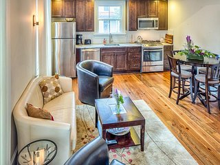 Charming new home w/ modern amenities - just two blocks from Forsyth Park!