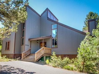 Spacious mountain home w/ shared pool & hot tub - close to golf & slopes!