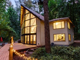 Secluded dog-friendly home w/ private hot tub & riverfront views