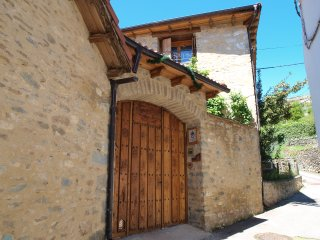 Casa Rural O Porron , en Sabinanigo, Huesca, Espana