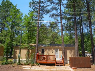 $89/nt til Oct. 31 |Pinetop Cozy Getaway | Tons of Hiking Trails | Pets Welcome
