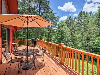 NEW! 2BR Murphy Cabin w/ Beautiful Mountain Views!